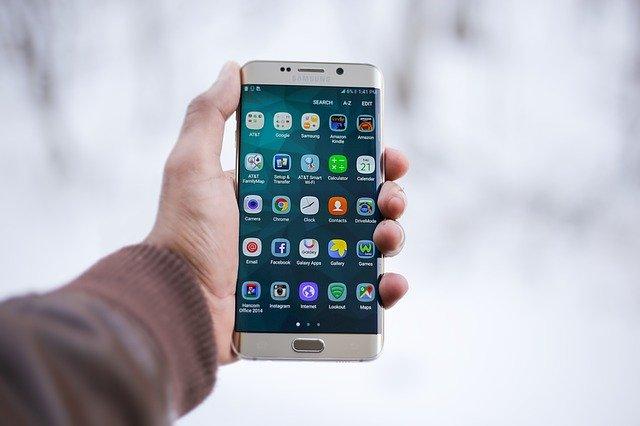 mobilní telefon displej
